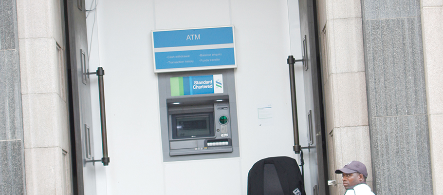 Zimbabwe ATMs gather dust