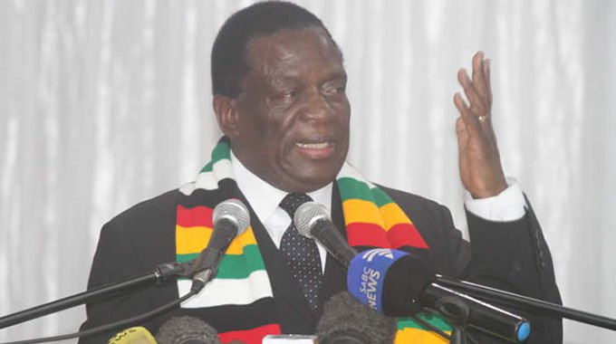 Mnangagwa increases salaries for civil servants