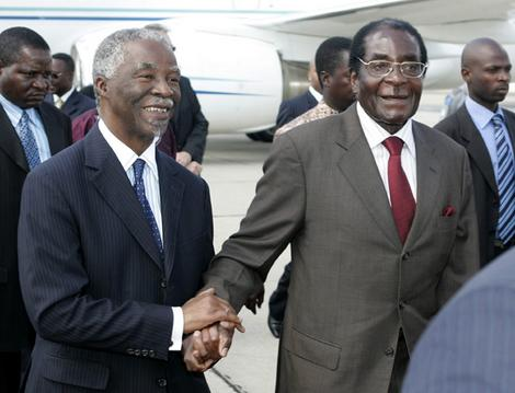 Mugabe, Mbeki in private talks