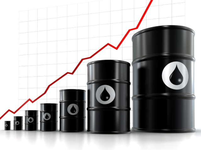 Oil prices rise further but analysts expect downward correction