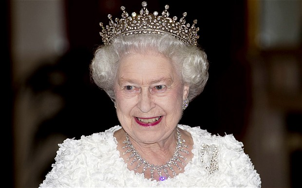 Queen seeking to reconcile Britain with Zim