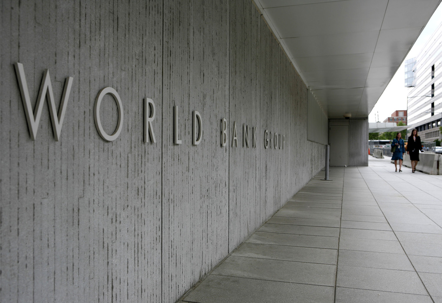 Budget deficits threat to Zim economy, says WB